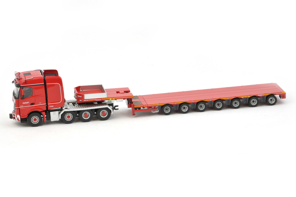 https://www.nooteboomshop.com/public/data/image/article/1131/1366/large/nooteboom-redline-mco-7-axle-semi-lowloader-with-mercedes-benz-arocs-bigspace-8x4.jpg